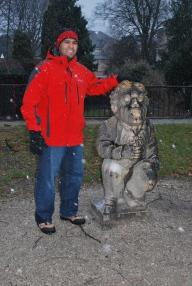 12-17-11 Neerav statue Mirabell Garden