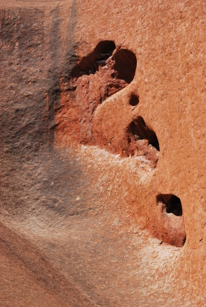 12-2-09 Uluru ear