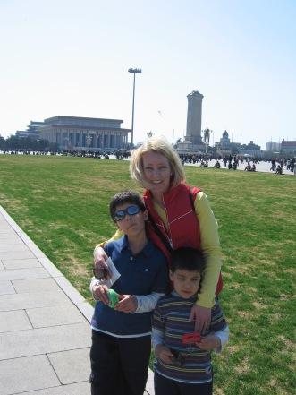 3-23 Shellie & boys Tian'an Men Square