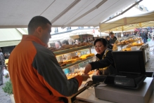3-28-10 Neerav buys quiche