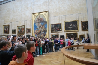 3-29-10 Mona Lisa crowd