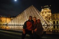 3-29-10 Neerav & Shellie pyramid Louvre midnight