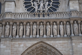 3-29-10 Notre Dame statues 2