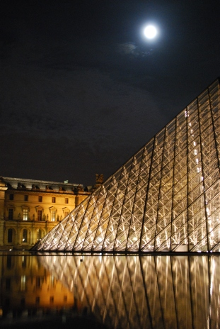 3-29-10 Pyramid Louvre moon at midnight vertical