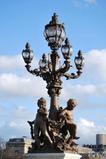 3-30-10 Cerub lamppost