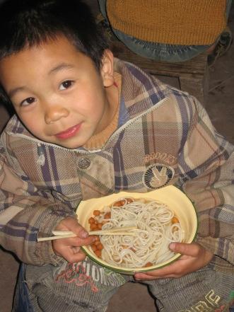 3-31 Boy noodle lunch