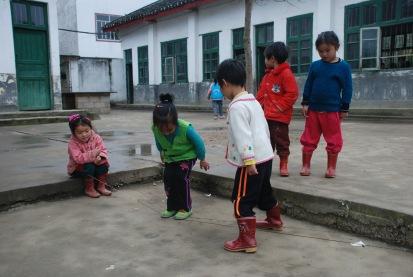 3-31 Girls playing jump rope
