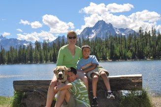 8-14-10 Boys, Nilla & Shellie mountain