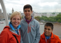Shellie, Nathan, and Aidan on their way to the top of the London Eye.