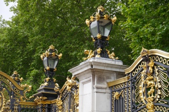Beautiful gilding on the gates to Buckingham Palace.