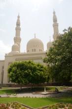 Jumeirah Mosque and garden