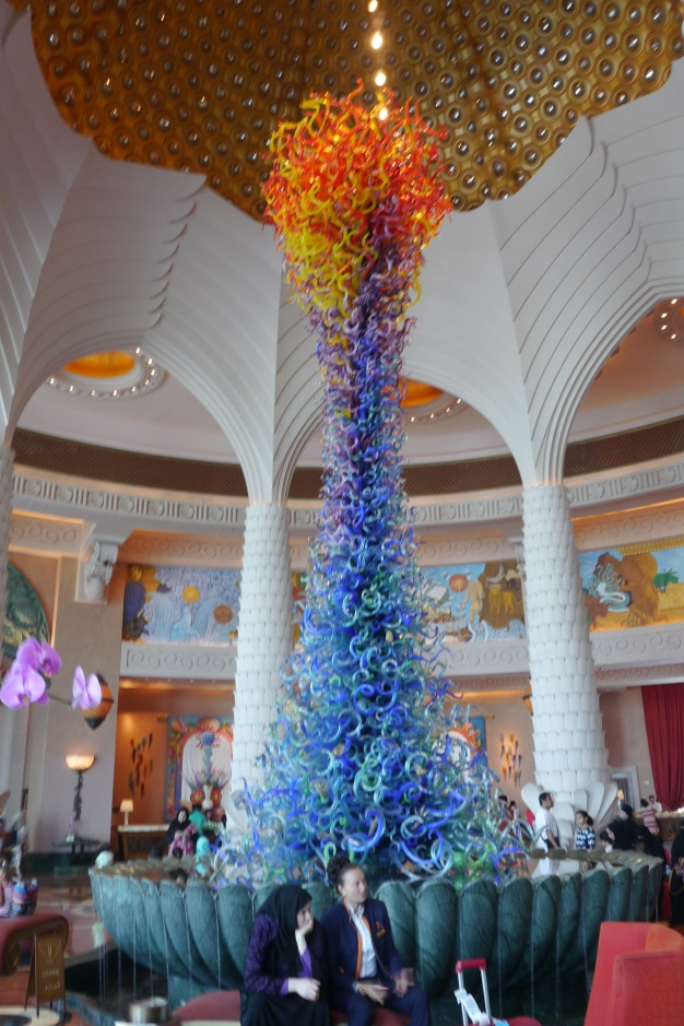 Chihuly glass sculpture inside the lobby of Atlantis The Palm Hotel