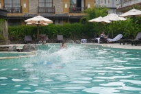 Synchronized splashing