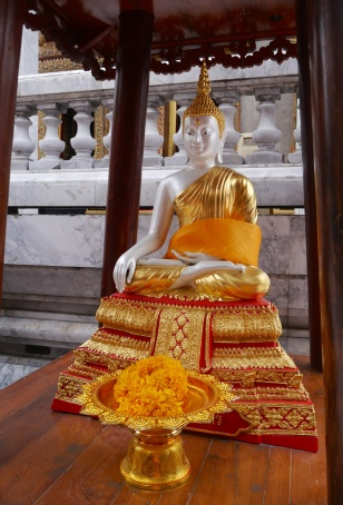 One of many altars near Standing Buddha