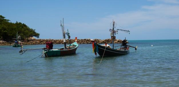 Fishing boats off Choeng Mon beach