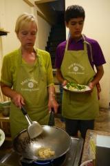 Shellie and Neerav prepare a tofu stir-fry.
