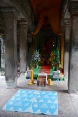 Small Buddha shine inside