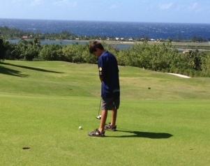 Aidan putting on Hole 15